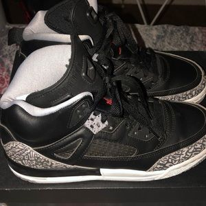 Jordan spizike BG size 5.5 boys